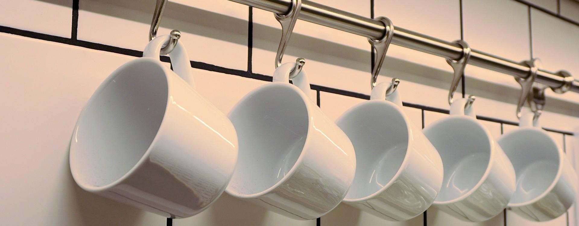 Polecane i sprawdzone płyny do naczyń – zadbaj o porządek w swojej kuchni